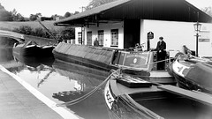 Traped (Duck 1966) Tags: canal narrowboat braunston marina water crew