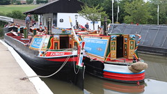 Raymond & Nutfield (Duck 1966) Tags: canal narrowboat braunston marina water crew