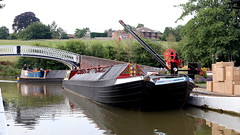 Just passing (Duck 1966) Tags: canal narrowboat braunston marina water crew