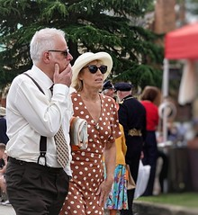 Bletchley Park 1940s. July 2019. Easily Spotted (Simon W. Photography) Tags: bletchleypark miltonkeynes buckinghamshire england 1940svintageweekend 1940s vintageweekend themansion bletchley 1940sweekend wartimeevent wartimeevent2019 vintagefestival armedforces nostalgic nostalgia fashion vintage festival retro ww2 1940svintage livinghistory history historic war wwi wwii uniform military sonyrx10iv sonyrx10m4 sonyuk sony sonydscrx10m4 people person mature groupshot crowd
