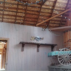 #bedandbreakfast #farm #barn #shelfie #stringlights #horse #wagon (Heath & the B.L.T. boys) Tags: instagram farm barn rustic shelf stringlights horse