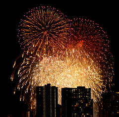 2019_ckimura-7459.jpg (Cliff Kimura) Tags: fireworks hawaii honolulu waikiki