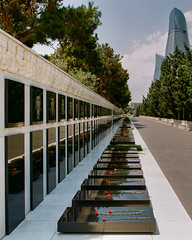 Martyrs' Lane Baku (Packing-Light) Tags: 35mm azerbaijan baku caucasus eurasia nikonf6 analog emulsion film kodak proimage100 city people street