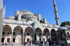 Imposing Ottoman Architecture, Sultan Ahmed Mosque - the Blue Mosque, Old City, Istanbul, Turkey (Bencito the Traveller) Tags: turkey istanbul bluemosque oldcity sultanahmedmosque ottomanarchitecture courtyard