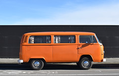 1973 VW Kombi (stephen trinder) Tags: aotearoa godzone kiwi landscape christchurch christchurchnewzealand stephentrinder stephentrinderphotography van camper kombi vw volkswagen nz newzealand orange 1973