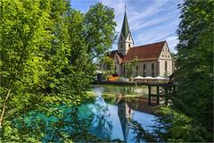 Blaubeuren - Am Blautopf (Robbi Metz) Tags: germany badenwürttemberg blaubeuren blautopf karstquelle water trees church colors sonyilce7m3 abltable