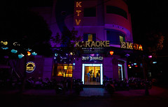 Vietnam_2019_044 (ShinIlgR) Tags: da nang vietnam vivien ebran sony a7r night nuit neon light lumiere ambiance atmosphere couleur color street rue