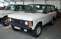 Range Rover classic V8 // NO-665332 (VE) (baffalie) Tags: auto voiture ancienne vintage classic old car coche retro expo italia sport automobile racing motor show collection club course race circuit italie padoue fiera