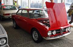 Alfa Romeo Giulia GT coupé // MI-M17151 (baffalie) Tags: auto voiture ancienne vintage classic old car coche retro expo italia sport automobile racing motor show collection club course race circuit italie padoue fiera