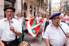 Ikurriñaren 125 urteurrena Bilbao -0010 (EAJ-PNV) Tags: eajpnv euzkoalderdijeltzalea euzkadi partidonacionalistavasco basquecountry basquenacionalparty basque ikurriña