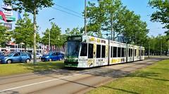 'T is wit en het ... (Peter ( phonepics only) Eijkman) Tags: amsterdam city combino gvb tram transport trams tramtracks trolley rail rails strassenbahn streetcars nederland netherlands nederlandse noordholland holland