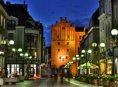 Polska - Poland - Olsztyn - Old Town (adenkis) Tags: city evening street mood lighting oldtown gate archway
