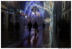 . . (Matías Brëa) Tags: niebla fog calle street streetphotography noche night personas people gente color social documentalismo documentary