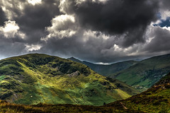 Heron Pike (vincocamm) Tags: heronpike cumbria lakedistrict english helvellyn mountain hill grass green heather track clouds cloudy sun sunburst moody nikon d5500