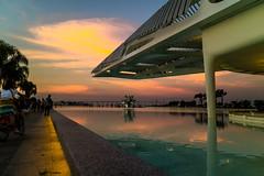 Entardecer no Museu do Amanhã - RJ (mariohowat) Tags: entardecer sunset pôrdosol riodejaneiro arquitetura canonm3 brazil brasil museudoamanhã
