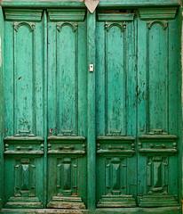 Baku Old City Green Door (Packing-Light) Tags: 35mm azerbaijan baku caucasus eurasia nikonf6 analog emulsion film fujicolor fuji superia400 city street