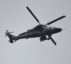 ET-713 (HA28-13-1013), Eurocopter EC-665 Tigre HAD-E (HA-28), c/n 5008, Ejercito de Tierra / Fuerzas Armadas de Espana, off airport, Neuilly-sur-Seine, 2019-07-14. (alaindurandpatrick) Tags: et713 cn5008 tigre eurocopter eurocopterec665 eurocopterec665tigre ha28 attackhelicopters helicopters militaryhelicopters ejercitodetierra spanisharmy armies fuerzasarmadasdeespana armedforces bastilleday airparades flypasts ha28131013 neuillysurseine 92 hautsdeseine îledefrance greaterparisarea france offairports offairportaviationphotography aviationphotography
