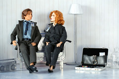 so good to be home (photos4dreams) Tags: omg xfiles series xakten agent danascully gilliananderson toy plastic spielzeug actionfigure photos4dreams p4d photos4dreamz fbi thetruthisoutthere thefall ooak handpainted superintendentstellagibson diorama scenes 16 foxmulder davidduchovny diy omgitsscullyp4d itsscullyp4d foxmoulder