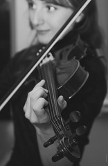 BO0O4376 (pataparat) Tags: bw monochrome портрет portrait people люди девушки moscow moscú mosca moscou moskau moscó moskou russia μόσχα ρωσία joliefemme prettywoman скрипка βιολί violin violín violon violino violine violinist fiddler violinplayer stringinstrument 24105l canon1dx музыка music μουσικόσ μουσική musique musiikki música musik musica muziek muzyka concert actress актриса femaleperformers performer musician