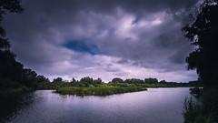 Le temps se couvre ! (bulledenature62) Tags: paysage landscape wild weather nuage cloud reflex62 deniscoeurphotographe62 photographenature photographepasdecalais douai étang eau roselière