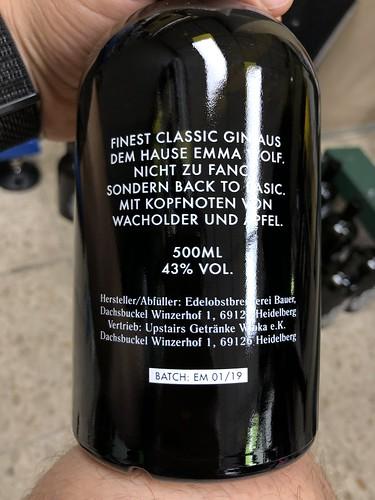 siebdruck runddruck auf flaschen für emma wolf, mannheim upsears gin, heidelberg