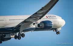 Delta A330 (Michael Tendler) Tags: aircraft ams amsterdam avgeek aviation eham fuji fujifilm planes schiphol xt2