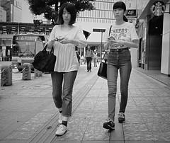 Mother and daughter (Bill Morgan) Tags: fujifilm fuji xpro2 23mm f2 bw jpeg acros alienskin exposurex4