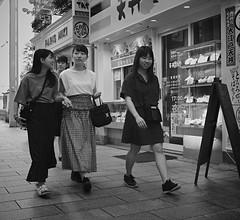 Holding hands (Bill Morgan) Tags: fujifilm fuji xpro2 23mm f2 bw jpeg acros alienskin exposurex4