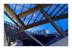 Fondation Louis Vuitton (Jean-Louis DUMAS) Tags: architecture architect architecte architectural architecturale bâtiment building reflets reflecting reflections ciel sky blue paris city ville town cityscape tour tower nightshot night nuit