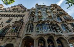 Barcelona... Casa Batlló Antoni Gaudì (capellini.chiara) Tags: arquitectura architektur architecture architettura antonigaudí casabatlló catalunya spanien espagne españa spain spagna barcellona barcelona
