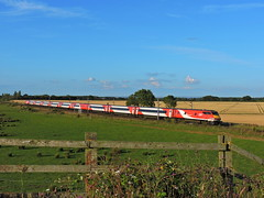 London bound (mike_j's photos) Tags: lner class91 91113 82215 colton