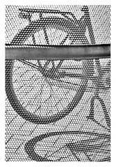 Through the fence (leo.roos) Tags: fence lens schaduw fiets rond curv silhou exakta darosa leoroos meyertelemegor18055 a7rii meyertelemegor155180 vlissingen hek rearwheel achterwiel bike bicycle noiretblanc
