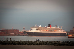 QM2 (Martin Peers) Tags: cunard queenmary2 ship liverpool liverpoolwaterfront rivermersey merseyside wirral newbrighton cruise cruiseliner