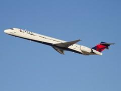 Delta                              McDonnell Douglas MD90                                    N929DN (Flame1958) Tags: 8370 mcdonnelldouglas md las klas lasvegasairport lasvegas mccarranairport 131116 1116 2016 delta deltamd90 mcdonnelldouglasmd90 n929dn md90