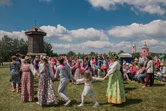 IMG_4089 (shadowtony) Tags: russia suzdal summer nature folklore суздаль лето троица июнь россия природа