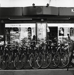 (Ah - Wei) Tags: bronica ectl 120 6x6 aristaeduultra400 bw film street bicycle