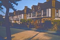 Tudor Way (Riex) Tags: tudor houses homes maisons architecture rue street tudorway halftimbering london londres angleterre england uk unitedkingdom royaumeuni diapo slide film kodachrome 1958 actontown