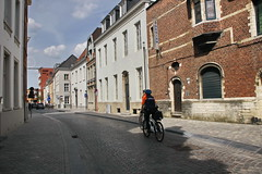 20190523-161845LC (Luc Coekaerts from Tessenderlo) Tags: streetview bicycle bike fiets people peopleatwork worker police politie cc0 creativecommons 20190523161845lc public streetphotography mechelen coeluc a20190523mechelenzilverclub vlaanderen belgië