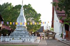 L1006370-1 (nae2409) Tags: 35mm rural temple culture architecture phitakhon loei thailand leica summilux