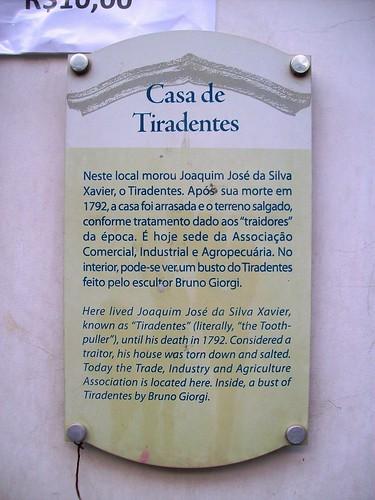 Placa informativa na Casa de Tiradentes - Ouro Preto
