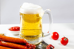 Full glass of light beer with foam and sausages on white table (wuestenigel) Tags: fry glass foam sausage bubbles breakfast full closeup spices pepper fried liquid grilled background meat light beer alcohol drink food barbecue topview booze ketchup golden lager mug sauce fresh yellow snack beverage bier glas cold kalt schaum noperson keineperson voll becher delicious köstlich pub getränk thirst durst traditional traditionell icee eis liquor alkohol ingredients zutaten hot heis lebensmittel stilllife stillleben