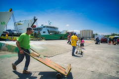 The ferry port at Bredco (Beegee49) Tags: street people ferry port sony porters baggage handlers happyplanet a6000 bacolod city philippines asia