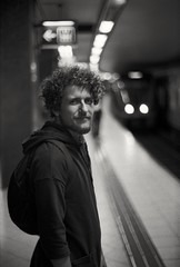 Analog photo: Viking (linbjo@tele2.se) Tags: blackwhite stockholm underground subway tunnelbana metro sweden bokeh ilfordfp4plus ilford fp4 olympus om1 om1n analog vintagelens 50mmf14 35mmfilm filmphoto
