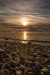 Sunset - Pebbles Beach (~ Jessy S ~) Tags: sunset soleil sun coucher nikon nikkor d750 18105 seascape scape paysage mer beach sea ocean plage pebbles cailloux galets eau water sky blue bleu ciel clouds nuages