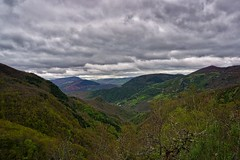 O Courel - Devesa de Rogueira 2 (Jano_Calvo) Tags: spain a6000 rural rocky ilce 1650mm flowers perspective chestnut colourful forest galicia panoramic clouds depth lugo mountains cloudy grass countryside mirrorless town nature farm courel trees landscape ourense sony green alpha sonyflickraward