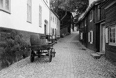 201907-002-024.jpg (fummel) Tags: xtol11 leicam6 sweden stockholm rangefinder bw hp5 mrokkor40f2 film analog hp5400xtol1112min 400 40mm filmdev:recipe=12008 ilford leica leicam mrokkor minolta rokkor xtol