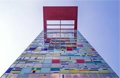Colorium (Sandra Lipproß) Tags: williamallenalsop colorium düsseldorf medienhafen architecture modern abstract geometric linear colours colors