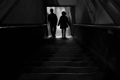 (Claudio Blanc) Tags: street streetphotography fotografiacallejera fotografianocturna silhouette silhoutte night nocturna buenosaires bw bn blackandwhite blancoynegro argentina