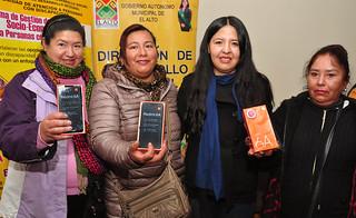 MUNICIPIO ENTREGA CELURES A  25 MUJERES CAPACITADAS EN REDES SOCIALES (7)