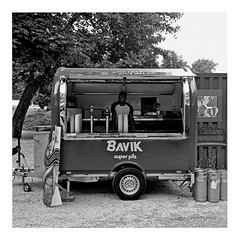 what made milwaukee famous . . . (japanese forms) Tags: ©japaneseforms2019 日本フォーム bavik beer belgië belgien belgique belgium bière bier birra bokeh cerveja cerveza pivo random square squareformat strasenfotografie straatfotografie streetphotography superpils vlaanderen